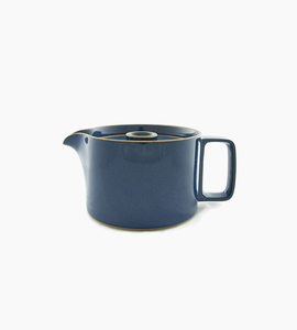 Hasami porcelain tea pot   gloss blue